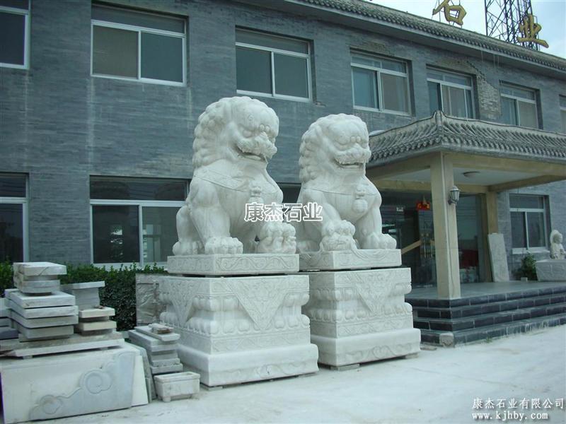 2米高特级汉白玉石狮子 汇丰石狮 欧洲狮 卧狮